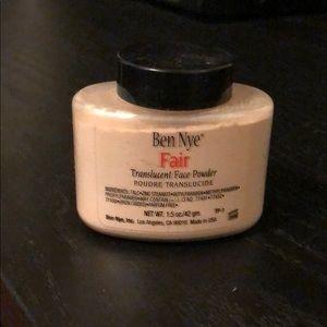 Ben Nye Translucent Face Powder